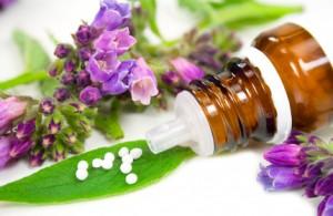 Homöopathische Mittel können die Antiobiotika-Therapie positiv unterstützen.